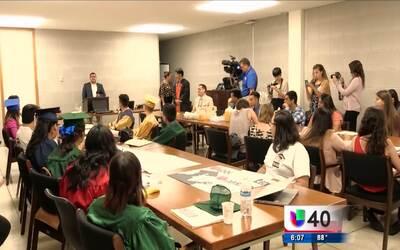 Estudiantes indocumentados exigen a legisladores una matrícula equitativa