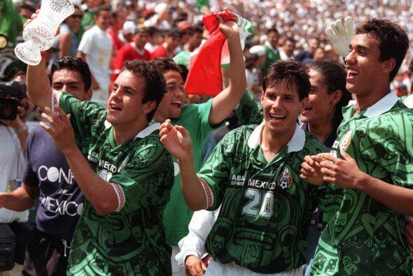 En 1996 sus 'locuras' dentro de la cancha, con la pelota, llevaron a Méx...