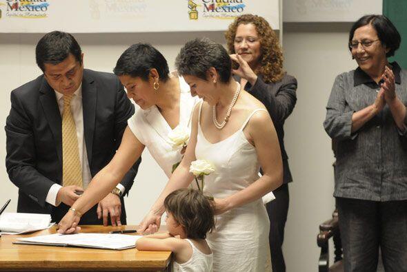Ema y Janice se casaron después de 6 años de relación.