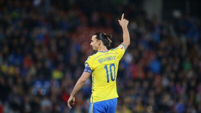El jugador interpretó el himno de Suecia en un comercial.