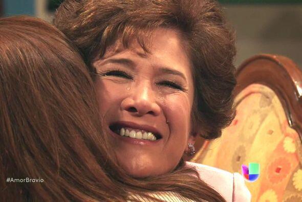 Camila necesita de su mamá y Agustina acepta mejorar su relación pues so...
