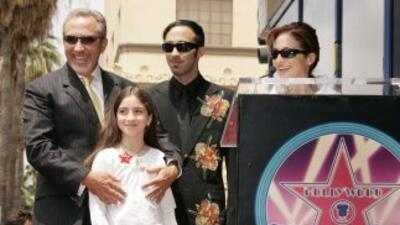 Emilios y Gloria Estefan con sus dos hijos, Nayib y Emily. Aquí Gloria...