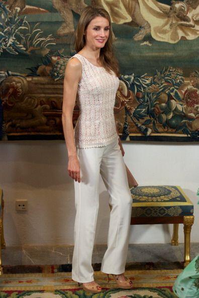 Una vez más, Letizia presumiendo figura con ayuda de prendas en color 'n...
