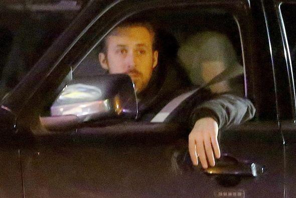 Encontramos a Ryan Gosling muy solito el día de San Valentín. Más videos...