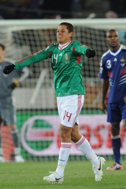 Con 22 años, Javier Hernández vivía un momento hist...