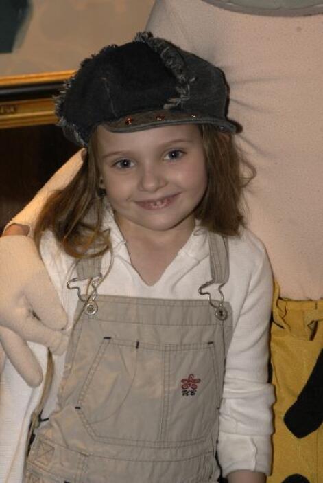 Abigail en junio de 2003, a sus siete años.  Aquí los videos más chismosos.