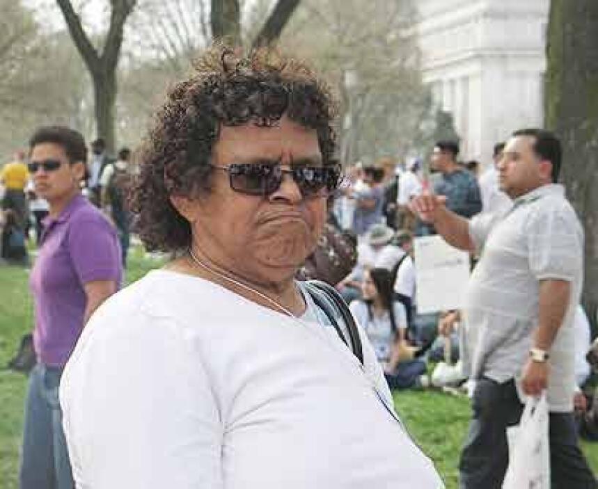 La marcha de Carmen Palma. Esta inmigrante salvadoreña de 75 años viajó...