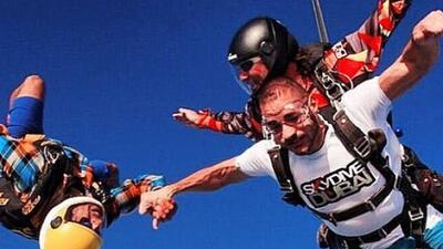 El francés podría ser sancionado por lanzarse en paracaídas.