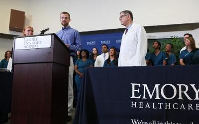 Dados de alta los dos pacientes americanos que fueron infectados con el...
