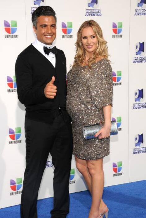 El actor Jaime Camil y su esposa Heidi Balvanera, esperan el nacimiento...