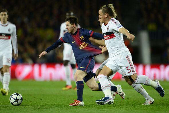 El Milan salió con una ferrea defensa para contener la avalancha del Bar...