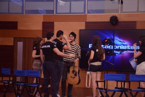 A los Protagonistas les dio alegría compartir con Beto Cuevas en...