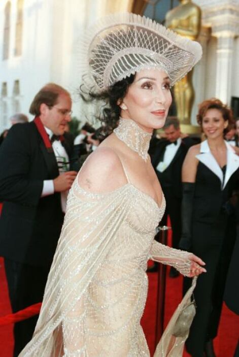Si en los premios Oscar dieran una estatuilla a la peor vestida del even...
