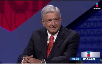 López Obrador durante la entrevista con Ciro Gómez Leyva