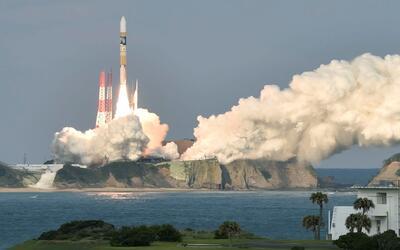 Japón lanza con éxito un satélite meteorológico