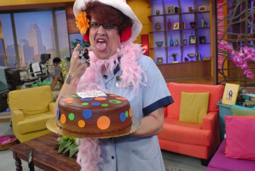 Meche buscó a Raúl para darle un pastel antes de despedirse, pero extrañ...