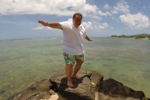 El Gordo intentó surfear en el mar.