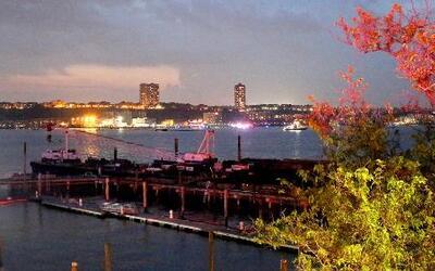 Muere piloto tras caer avioneta en río Hudson