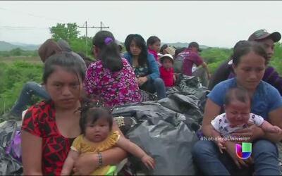 A bordo de 'La Bestia', el tren que trae a inmigrantes al país de la opo...