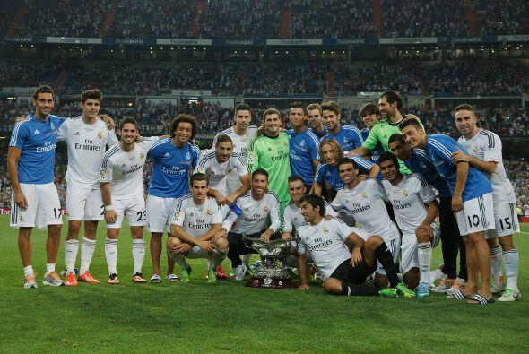 Y Raúl se unió en la celebración con sus ex compa&n...
