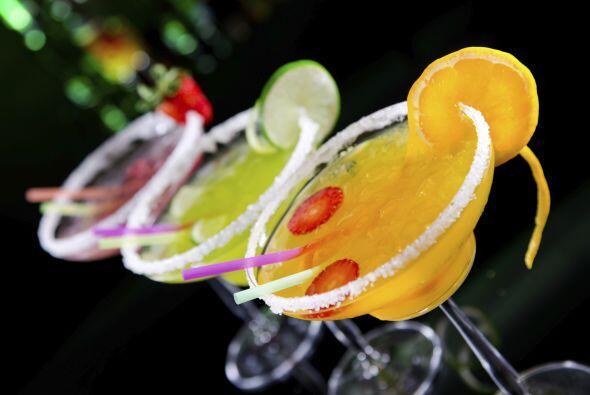Relata la historia popular que Margaret Sames le gustaba mezclar bebidas...