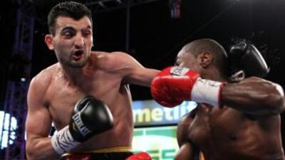 """Vanes Martirosyan y Alfredo """"Perro"""" Angulo podrían tener una pelea de el..."""