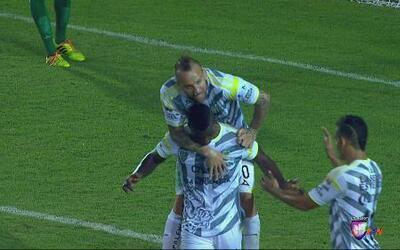 Jaguares con gran reacción de fútbol borró a León y dio vuelta el marcador