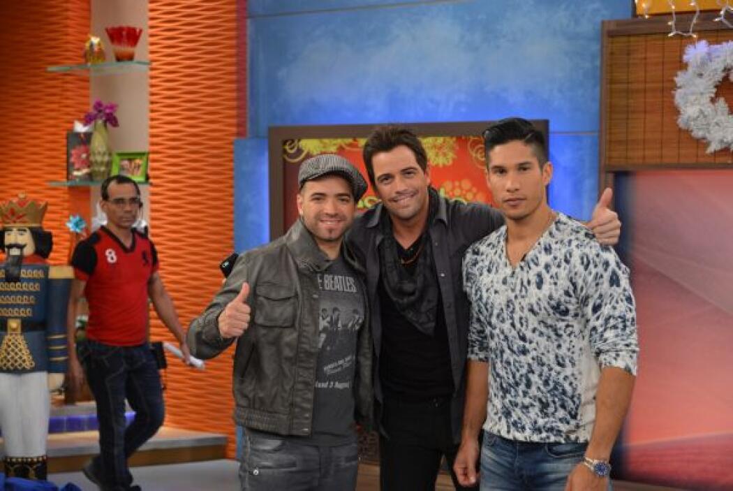 Mane de la Parra no perdió oportunidad de tomarse una foto con Chino y N...