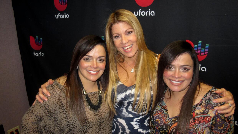 María Marín con las @MentesGemelas, las hermanas Nelly y Northelia Pompa