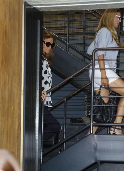 Caitlyn Jenner salió otra vez con su inseparable amiga Candis Cayne.