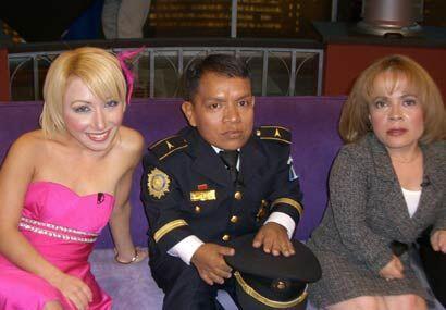El guatemalteco Juan Francisco Camey que es el policía más pequeño del m...