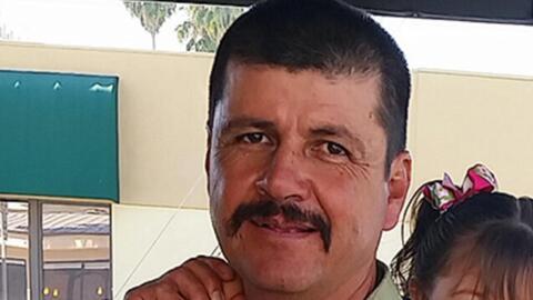 En un minuto: ICE arresta a un indocumentado sin antecedentes cuando bus...