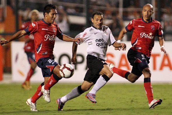 Iarley, del Corinthians, es uno de los pocos jugadores que siendo brasil...