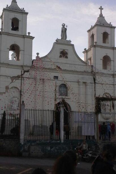 Una iglesia de Guatemala resultó dañada tras el sismo. Fot...