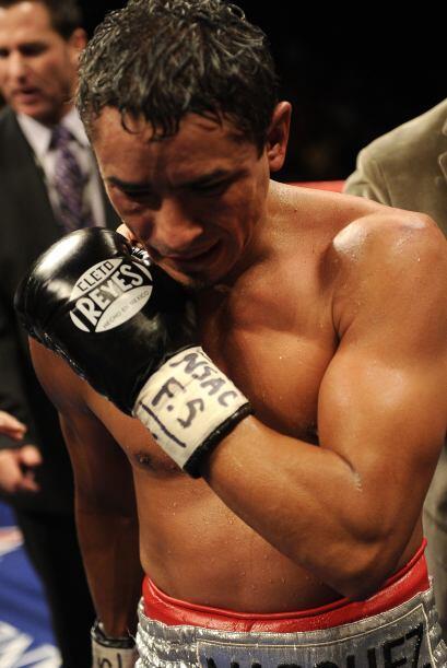 Cuando se llamó al noveno round, la esquina de Márquez anunció que el me...