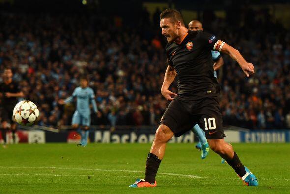 El italiano se convirtió en el jugador más veterano en marcar en la Cham...