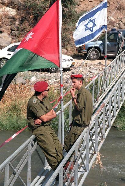 El actual muro de separación israelí que serpentea por buena parte de Ci...