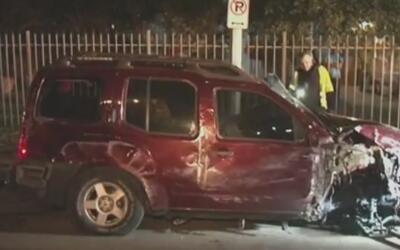 Conductor que estaría ebrio estrelló su auto contra un poste de luz en e...