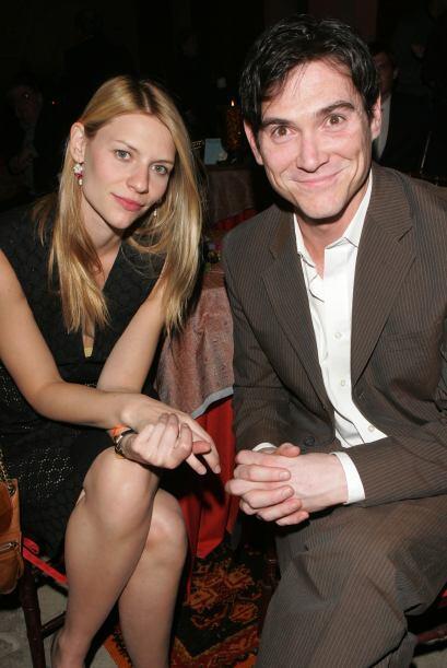 Pero pronto, él la dejó por la bella Claire Danes.  Mira aquí los videos...