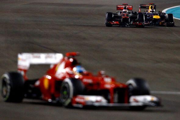 El finlandés Kimi Raikkonen (Lotus) ganó el Gran Premio de Abu Dabi, 18ª...