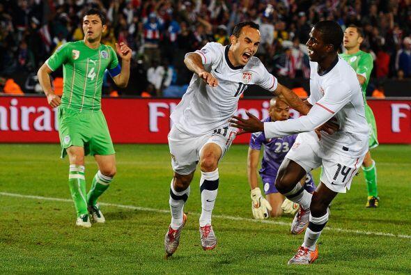 También ha participado en 2 Copas Confederaciones, en Sudá...