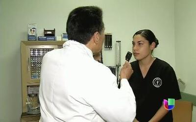 Facilitan a médicos ejercer profesión en California