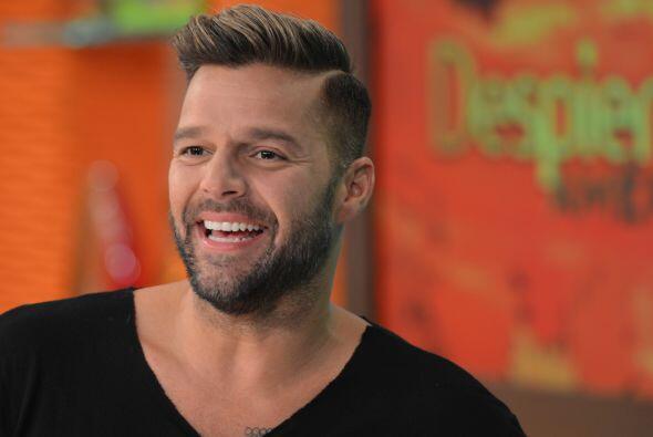 Ricky Martin siempre está a la moda y esa barba lo mantiene en la...