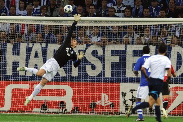El arquero Neuer fue el hombre más destacado en todo el primer tiempo, s...