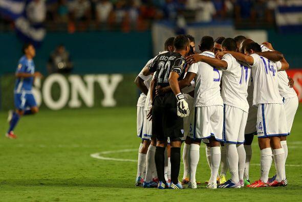 Honduras se llevó un importante triunfo de 1-0 sobre El Salvador...