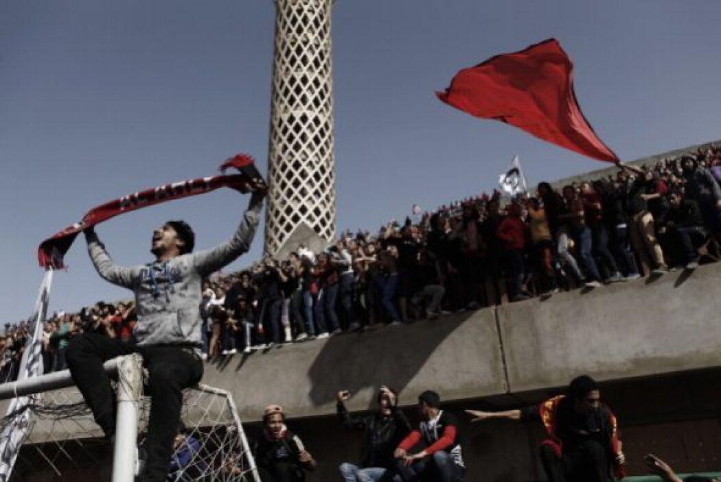 Los opositores dicen que el presidente Mohamed Morsi y los Hermanos Musu...