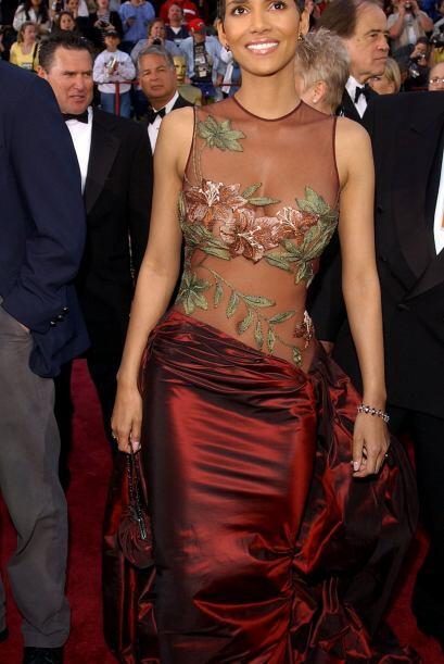 Todos sabemos que Halle Berry tiene unas curvas paradisíacas, per...