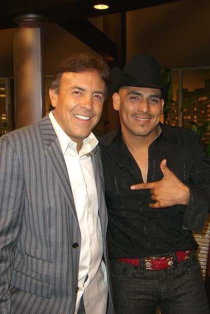El cantante mexicano consecha éxitos con su música.