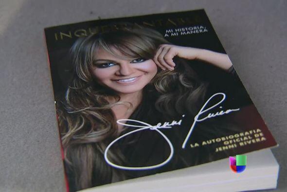 """Su libro, autobiografía """"Inquebrantable' se convirtió en u..."""