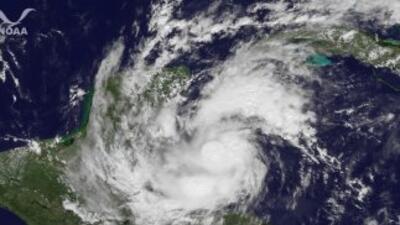 El Huracán Rina se degradó a tormenta tropical.